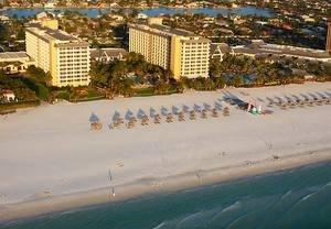 Luxury Hotel in Naples, FL Hosts Baseball and Barbecue Event