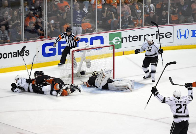 LA Kings show Ducks why they're playoff powers