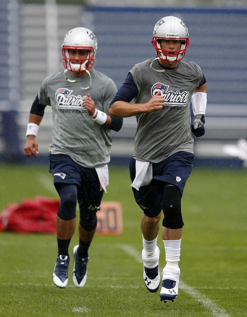 Patriots QB Brady trying to improve on last season