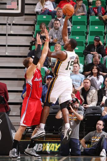 Jazz sign F-C Favors to contract extension
