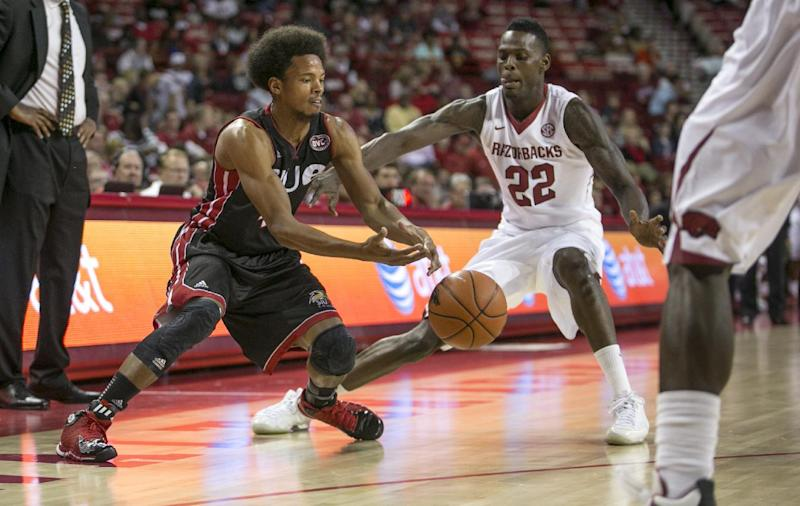 Bell leads Arkansas past SIU-Edwardsville 99-65
