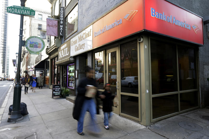 Fewer US banks failing as industry strengthens