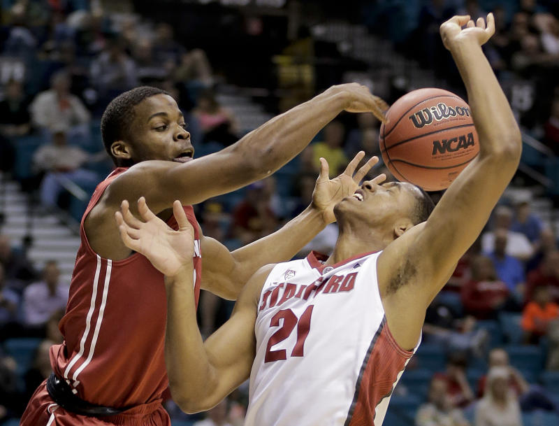 Stanford beats Washington St. 74-63 in Pac-12