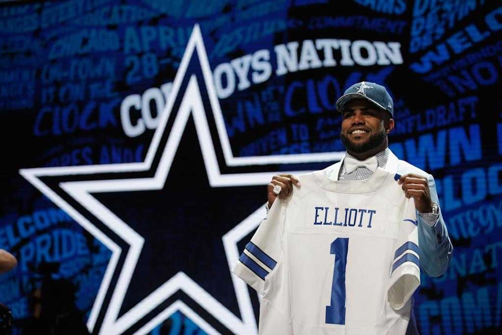 Ezekiel Elliott of Ohio State after being picked fourth overall by the Dallas Cowboys during the first round of the 2016 NFL Draft. Jon Durr/Getty Images/AFP (AFP Photo/Jon Durr)