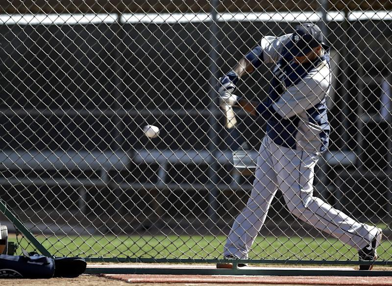 Cano singles on 1st pitch, Mariners top Padres 7-1