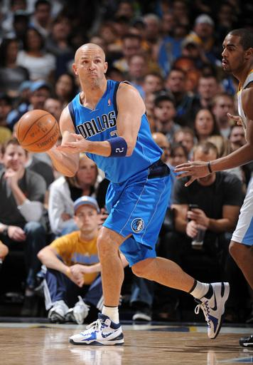Nowitzki leads Mavericks over Nuggets 112-95
