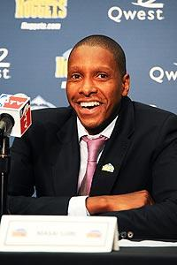 Nuggets' new GM hopes to keep Anthony