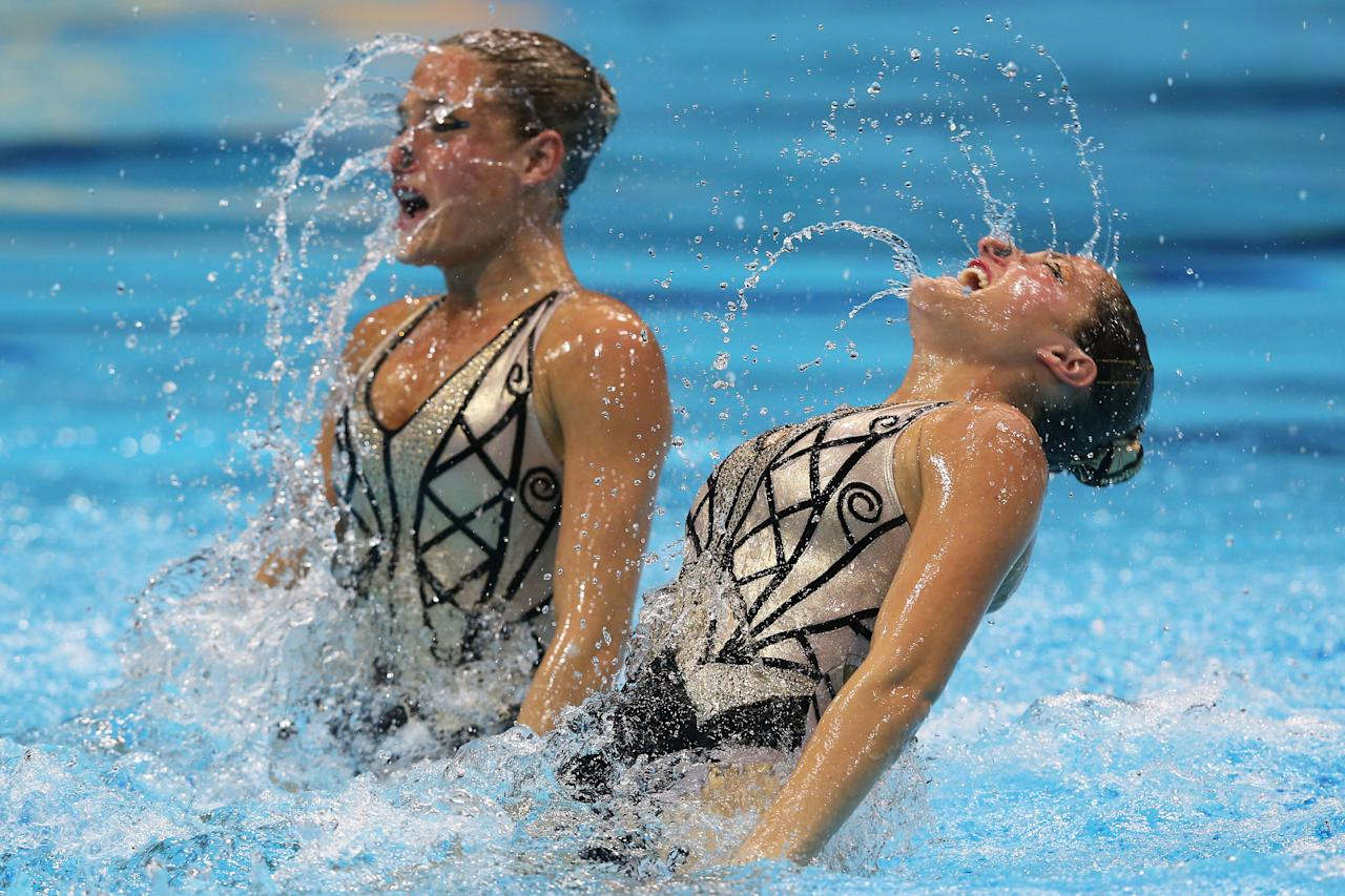 LONDON, ENGLAND - AUGUST 06:  Etel Sanchez and Sofia Sanchez of Argentina compete in the Women's Duets Synchronised Swimming Free Routine Preliminary on Day 10 of the London 2012 Olympic Games at the Aquatics Centre on August 6, 2012 in London, England.  (Photo by Clive Rose/Getty Images)
