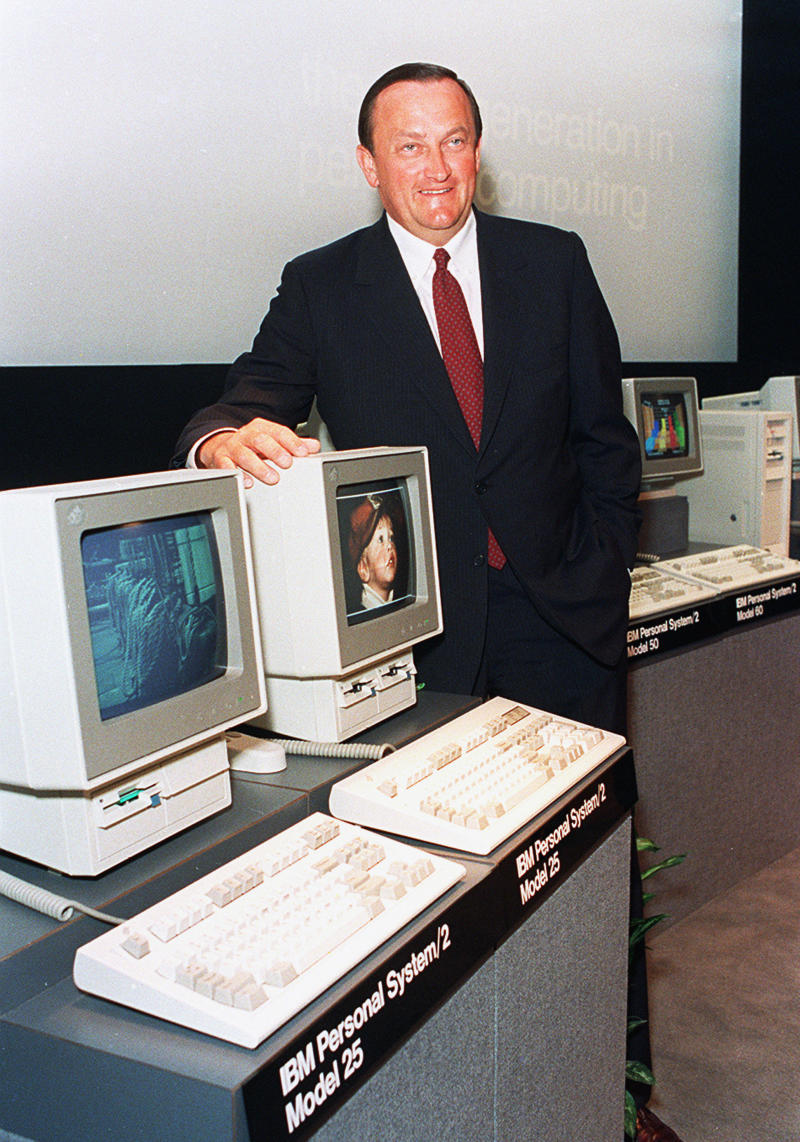 Lowe, father of IBM personal computer, dies at 72