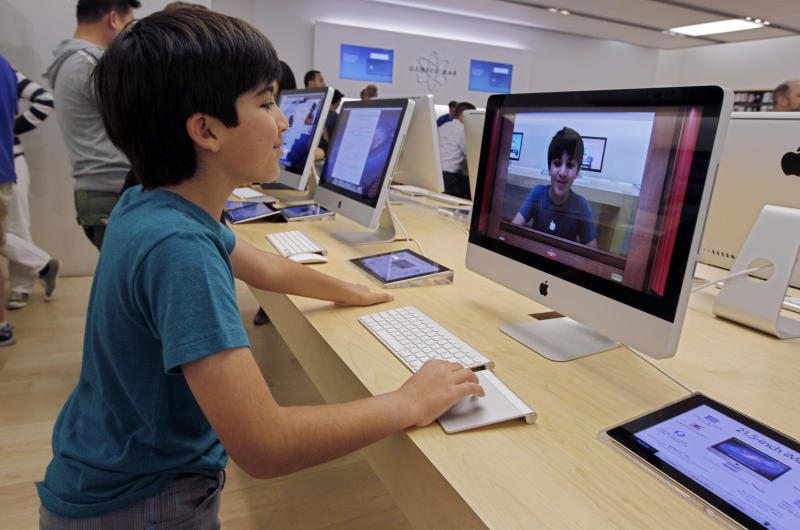 New Mac operating system goes on sale Wednesday