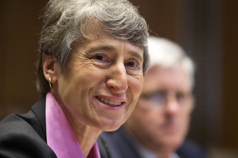 Jewell makes emotional pledge to Native Americans