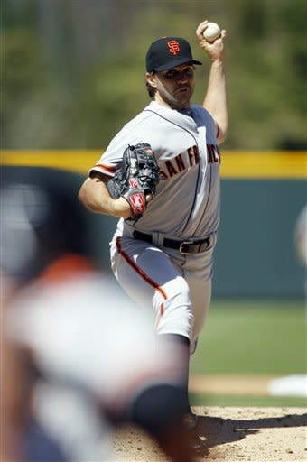 Zito tosses 4-hitter as Giants avoid 0-4 start