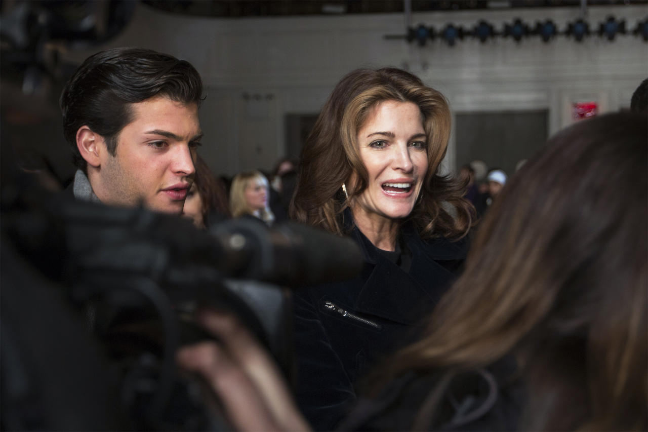 Model Stephanie Seymour is seen before the Jason Wu Autumn/Winter 2013 collection show during New York Fashion Week February 8, 2013. REUTERS/Lucas Jackson (UNITED STATES - Tags: FASHION ENTERTAINMENT SOCIETY) - RTR3DIJ2
