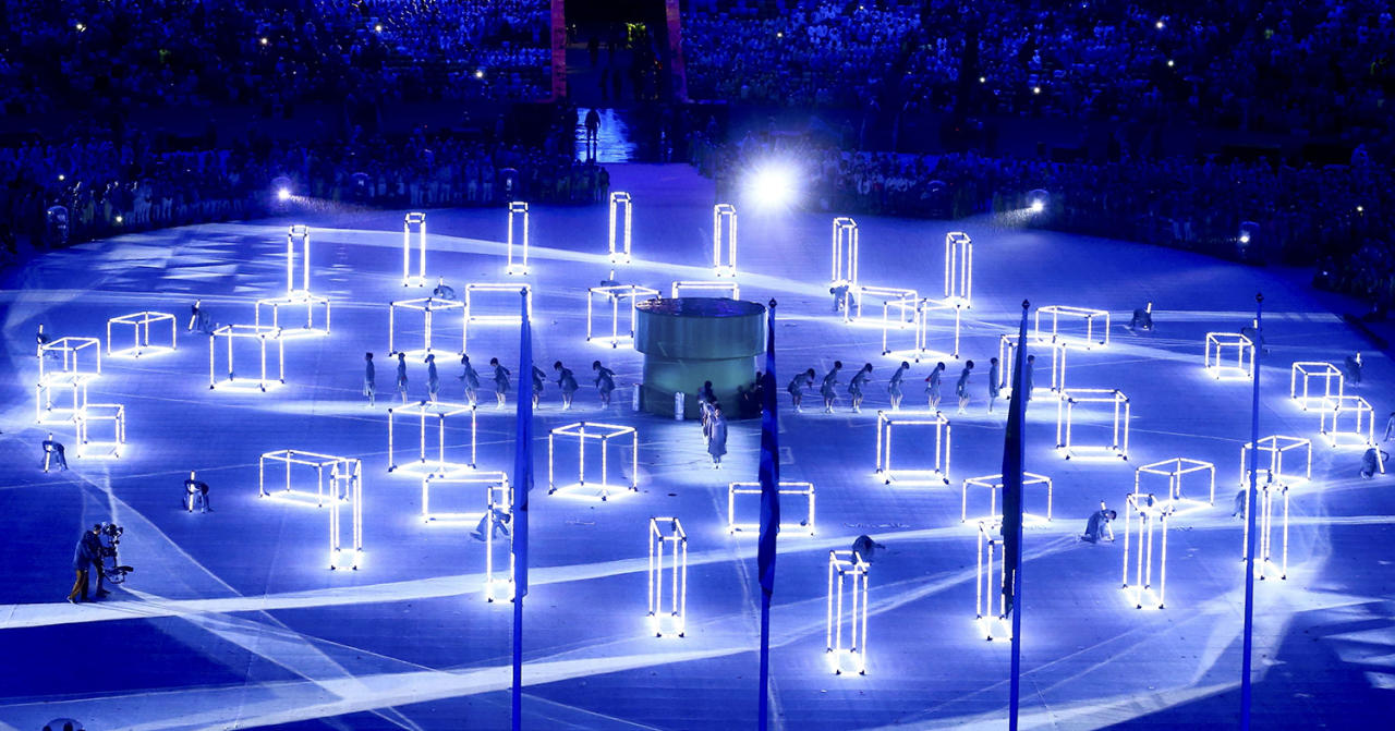 <p>Performers take part in the closing ceremony for the 2016 Rio Olympics. (REUTERS/Vasily Fedosenko) </p>