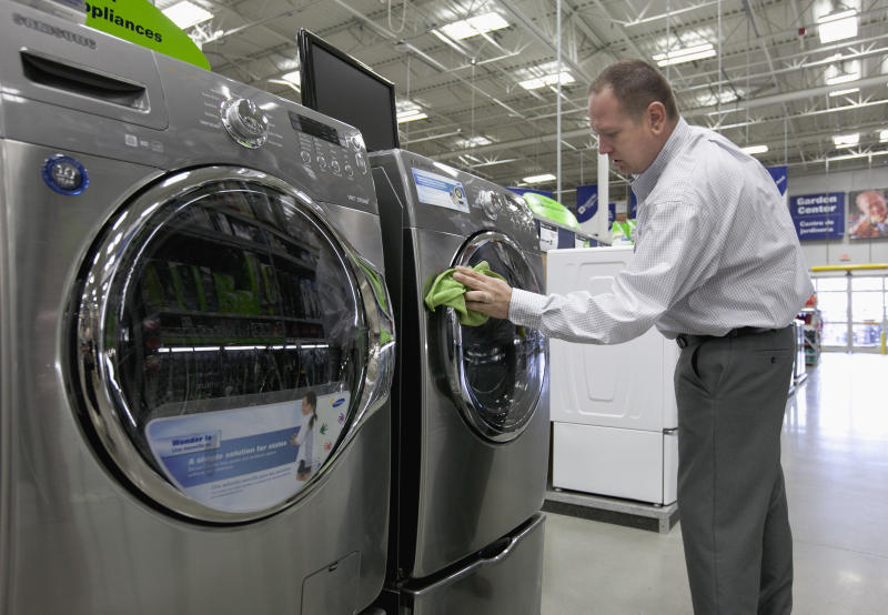 US durable goods orders up 0.2 percent in April