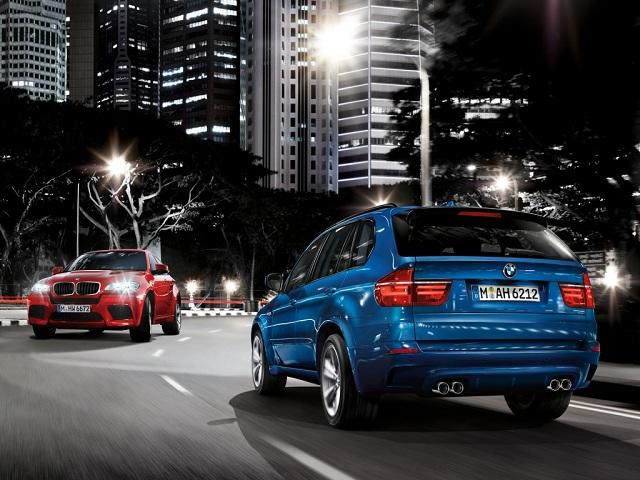 """<p style=""""text-align:right;""""> <b><a href=""""http://ca.autos.yahoo.com/bmw/x5/2013/"""" target=""""_blank"""">2013 BMW X5 AWD 4dr 50i </a></b><br> <b>TOTAL SAVINGS $9,617</b><br> <a href=""""http://www.unhaggle.com/yahoo/"""" target=""""_blank""""><img src=""""http://www.unhaggle.com/static/uploads/logo.png""""></a> <a href=""""http://www.unhaggle.com/dealer-cost/report/form/?year=2013&make=BMW&model=X5%20xDrive50i&style_id=353248&pid=58"""" target=""""_blank""""><img src=""""http://www.unhaggle.com/static/uploads/getthisdeal.png""""></a><br> </p>  <div style=""""text-align:right;""""> <br><b>Manufacturer Suggested Retail Price</b>: <b>$75,700</b> <br><br><a href=""""http://www.unhaggle.com/BMW-Canada/"""" target=""""_blank"""">BMW Canada Incentive</a>*: $6,000 <br>Unhaggle Savings: $3,617 <br><b>Total Savings: $9,617</b> <br><br>Mandatory Fees (Freight, Govt. Fees): $2,130 <br><b>Total Before Tax: $68,213</b> </div> <br> <p style=""""text-align:right;font-size:85%;color:#777;""""><em>Published July 8, 2013</em></p> <br><p style=""""font-size:85%;color:#777;""""> * Manufacturer incentive displayed is for cash purchases and may differ if leasing or financing. For more information on purchasing any of these vehicles or others, please visit <a href=""""http://www.unhaggle.com"""" target=""""_blank"""">Unhaggle.com</a>. While data is accurate at time of publication, pricing and incentives may be updated or discontinued by individual dealers or manufacturers at any time. Vehicle availability is also subject to change based on market conditions. Unhaggle Savings is a proprietary estimate of expected discount in addition to manufacturer incentive based on actual savings by Unhaggle customers </p>"""