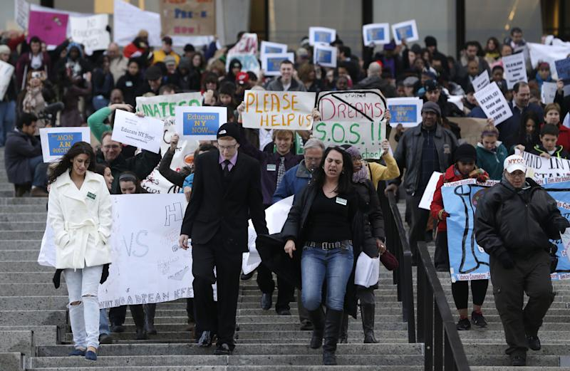 NY bus tour for education ends with Albany rally