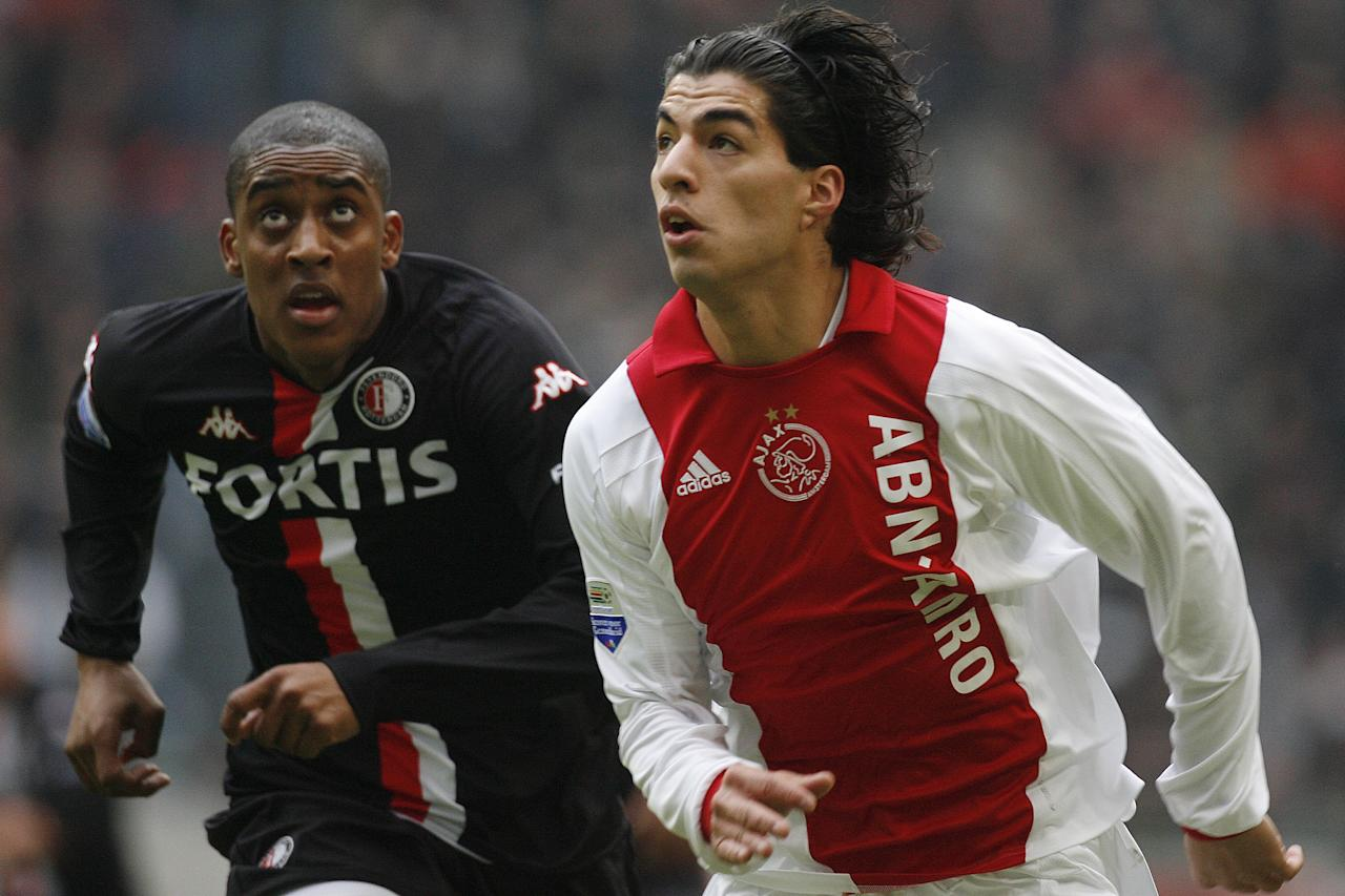 (L-R) Kenneth Perez of Ajax, Luis Suarez  of Ajax, Leroy Fer of Feyenoord during the Dutch Eredivisie match between Ajax and Feyenoord on February 3, 2008 at the Amsterdam Arena at Amsterdam, Netherlands. (Photo by VI Images via Getty Images)