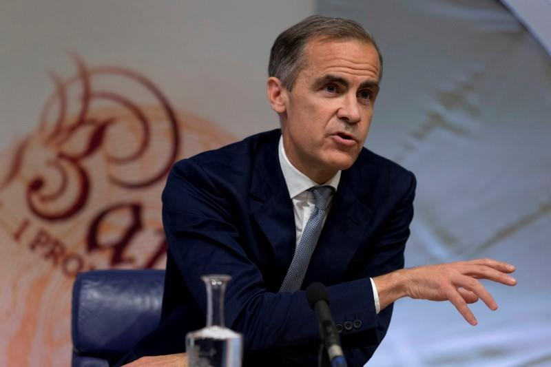 BoE cuts its key interest rate to historic low