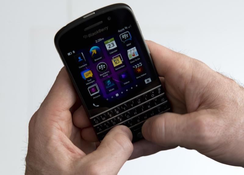 Long-awaited keyboard BlackBerrys hit US stores