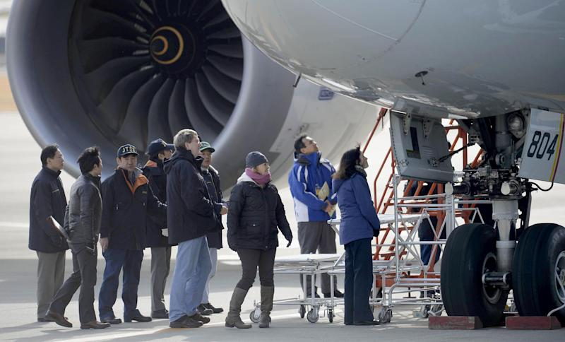 Japan probe suspects excess voltage in 787 battery