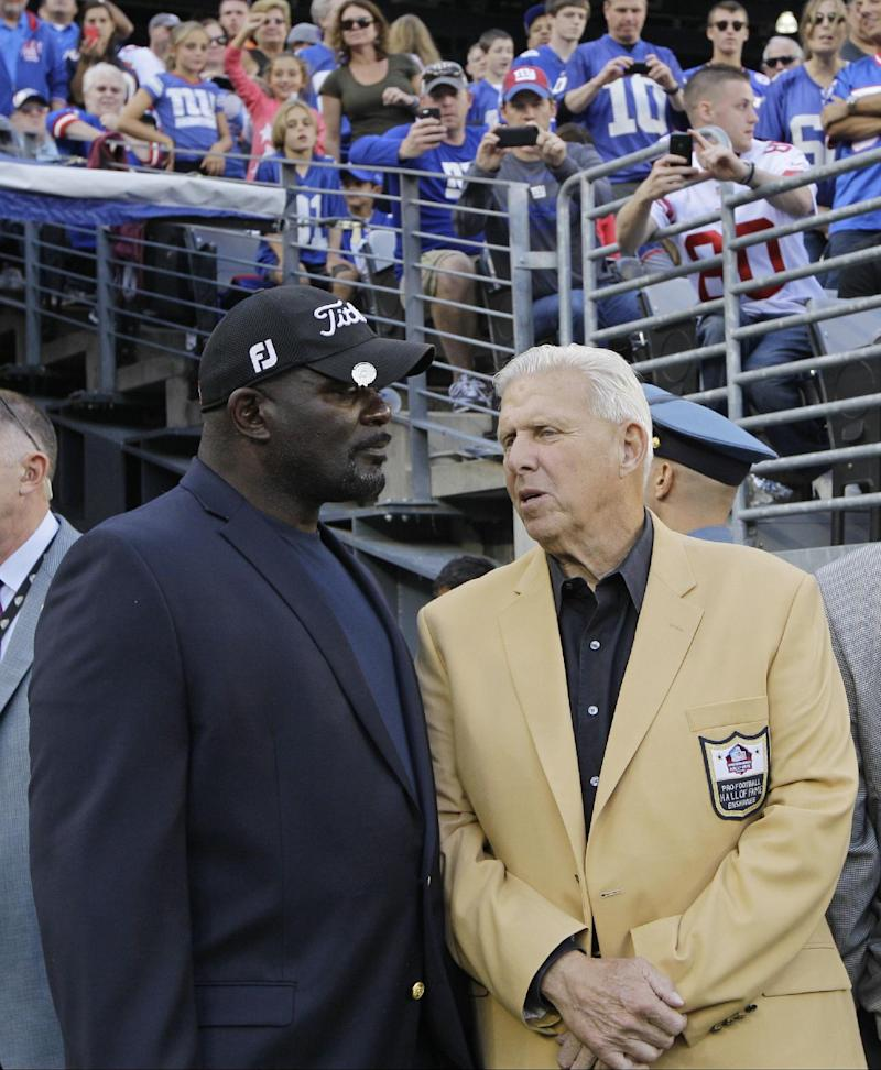 Parcells receives Hall of Fame ring