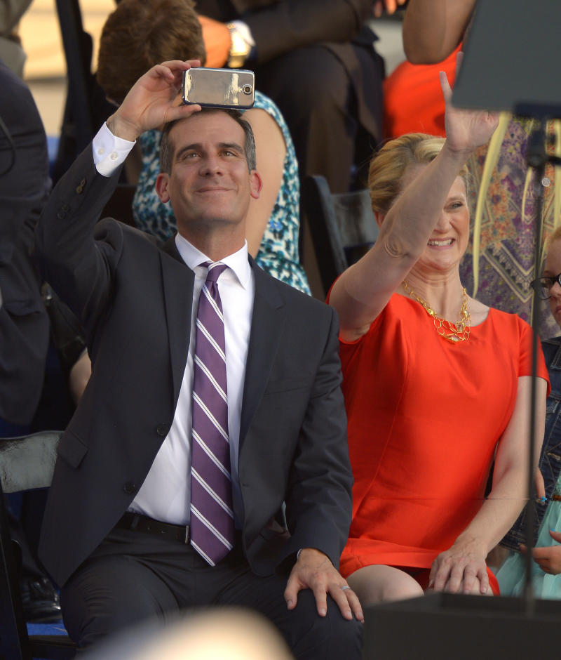 Eric Garcetti takes over as Los Angeles mayor