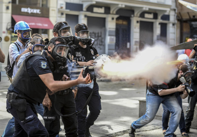 Unions prepare strikes to support Turkey protests