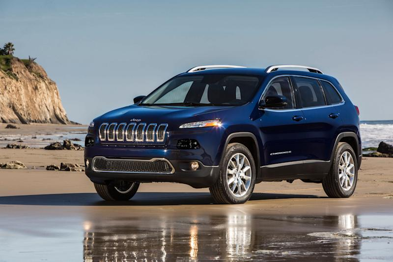 Chrysler starts shipping Jeep Cherokees