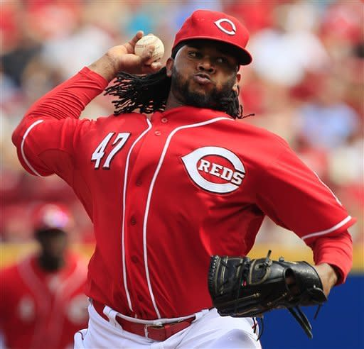 Cueto leads Reds over Twins 6-0