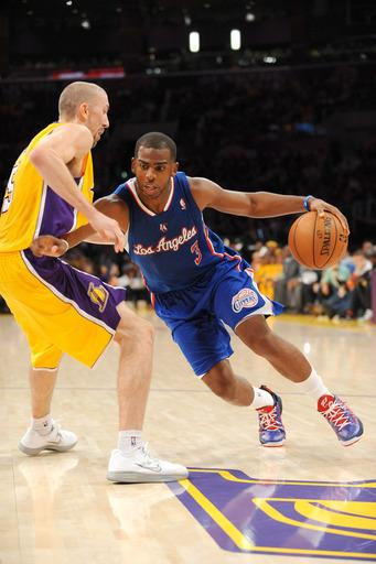 Clippers send Lakers to 0-3 start with 105-95 win