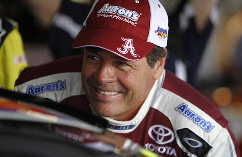 Michael Waltrip Racing cutting to 2 full teams