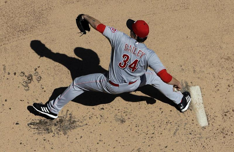 Bailey, Reds beat Brewers 9-1