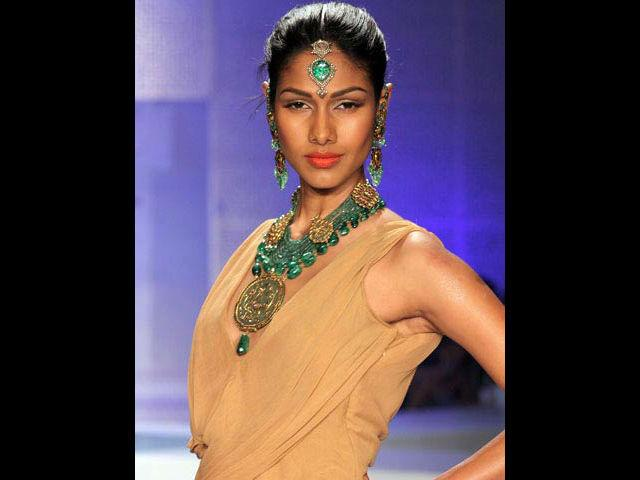 <b>7. Nethra Raghuraman</b><br> This South Indian beauty has been a prominent face on the ramp and the tele screens for years. Shehas worked in several acclaimed movies but her first love remains modelling and fashion lovers will never complain.