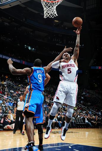 Smith scores 30 in Hawks' 97-90 win over Thunder
