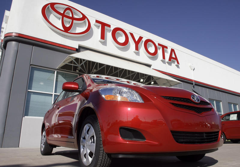 Huge window switch recall hampers Toyota comeback