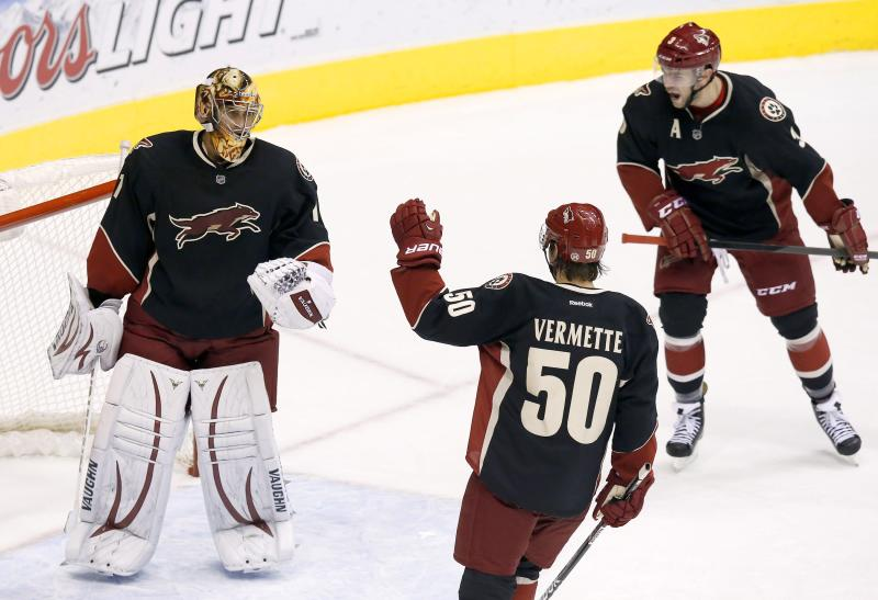 Greiss leads Coyotes to 6-0 win over Flames