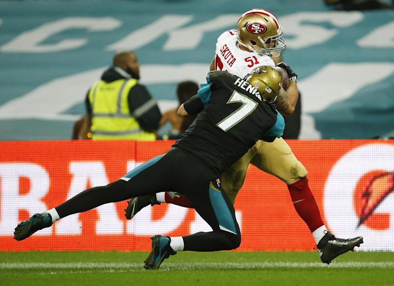 Winless Jaguars sticking with QB Henne as starter