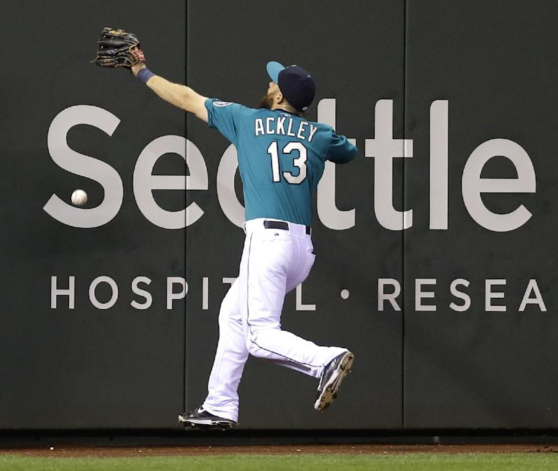 Dominguez homers to lead Astros over Mariners