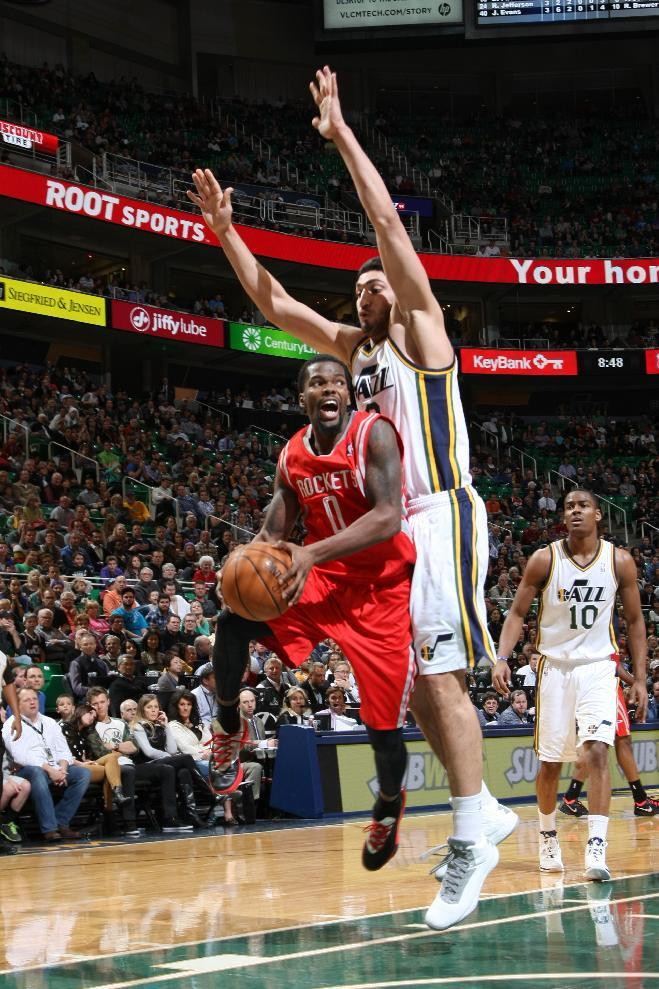 Williams lifts Jazz past Rockets 109-103