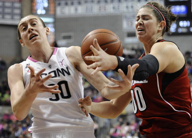 Stewart leads UConn to 81-64 win over Louisville