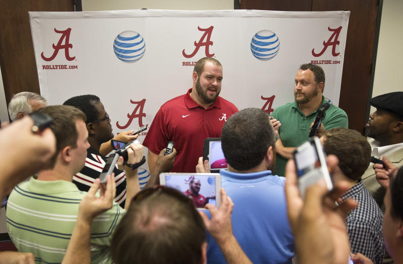 Alabama QBs Coker, Sims still vying for No. 1 spot
