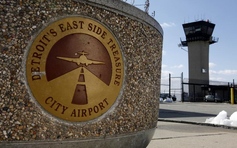 FAA could close 6 airport control towers in Mich.