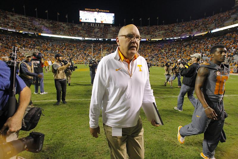 Tennessee offensive coordinator Mike DeBord leaving for IN, reports say