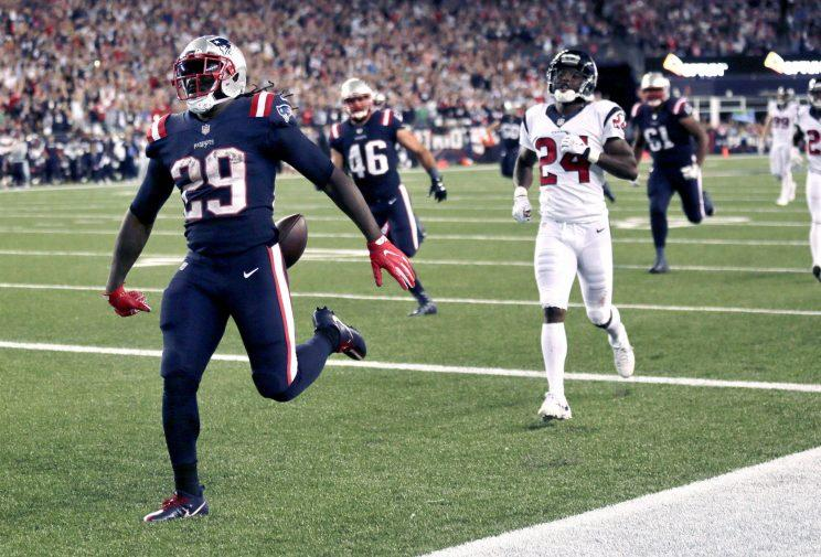 Patriots edge Texans, advance to AFC Championship Game