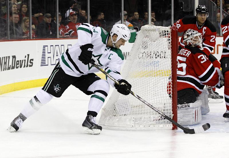 Schneider shuts out Stars in Devils' 1-0 win