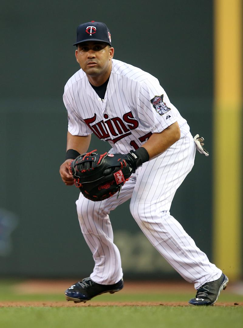 Twins trade 1B Kendrys Morales to Mariners
