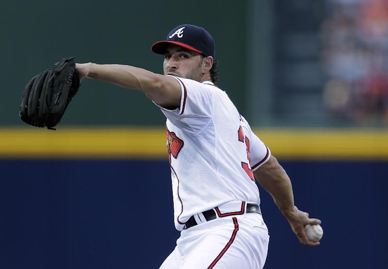 Simmons' RBI triple wins it in 10th for Atlanta