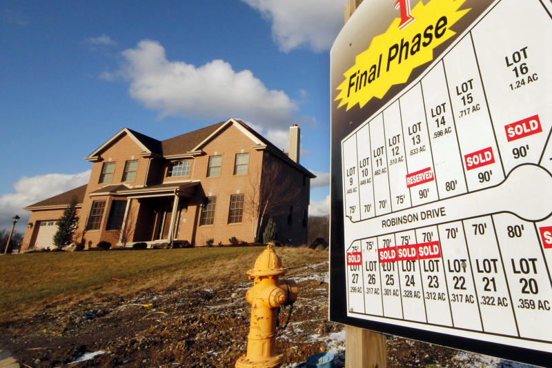 New-home purchases fall, 2011 worst ever for sales