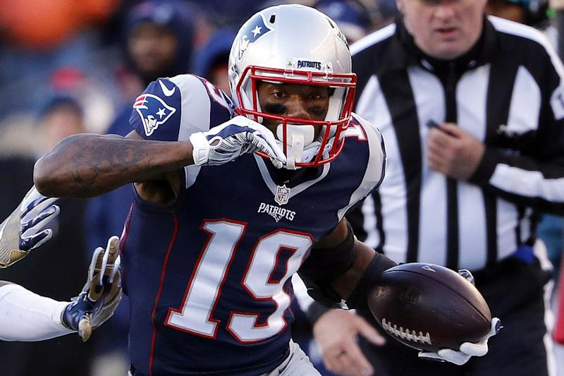 Kenneth Dixon gets steamrolled by New England Patriots for safety